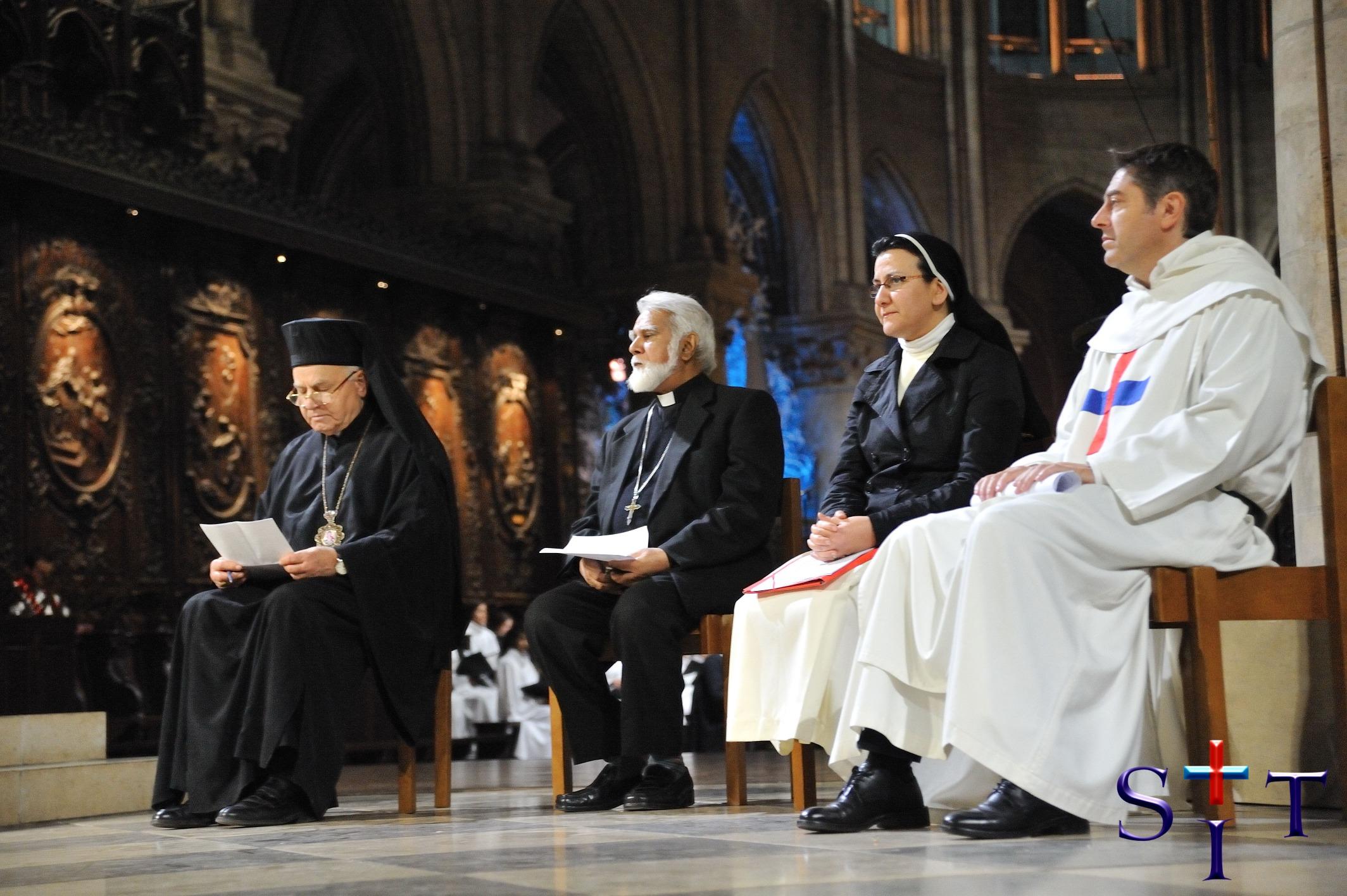 Antonio Aurelio director del Sit en Notre Dame de Paris