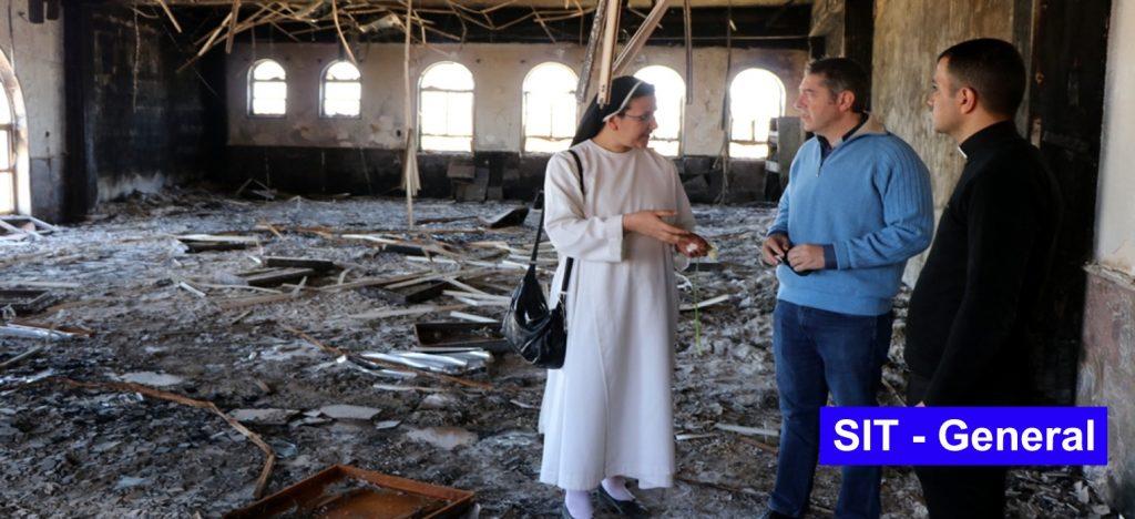 ¿Quién acompaña y ayuda hoy a los cristianos perseguidos?