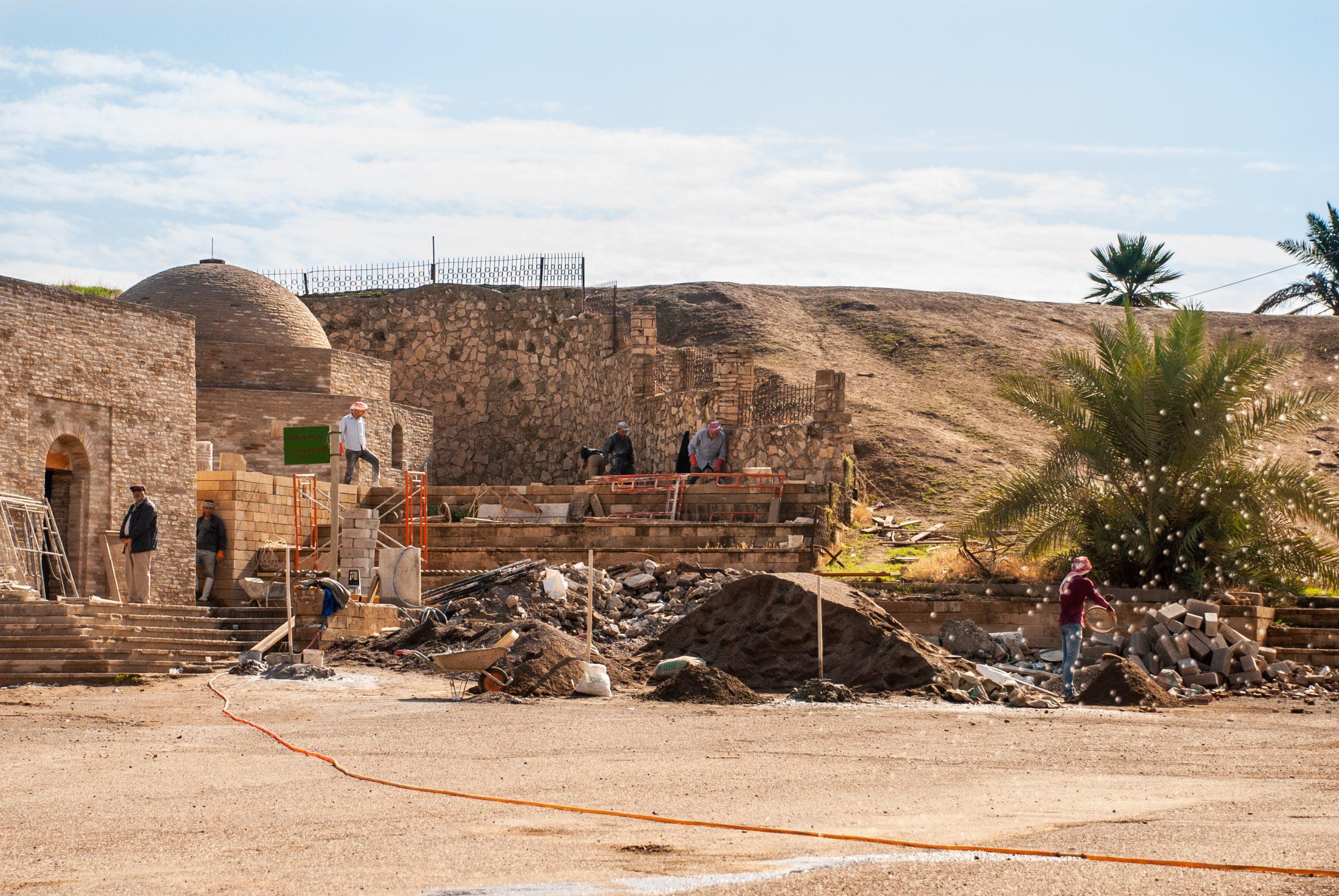 reconstrucción de un santuario en Irak